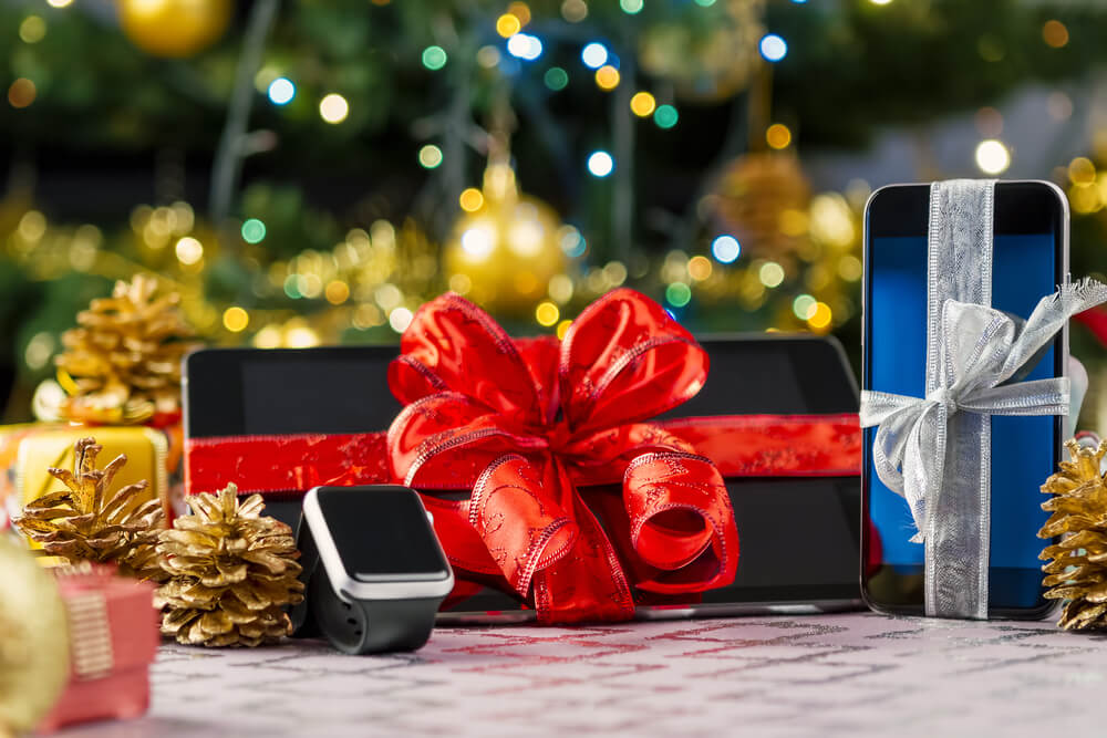A Tech Lover's Guide to Holiday Wish Lists